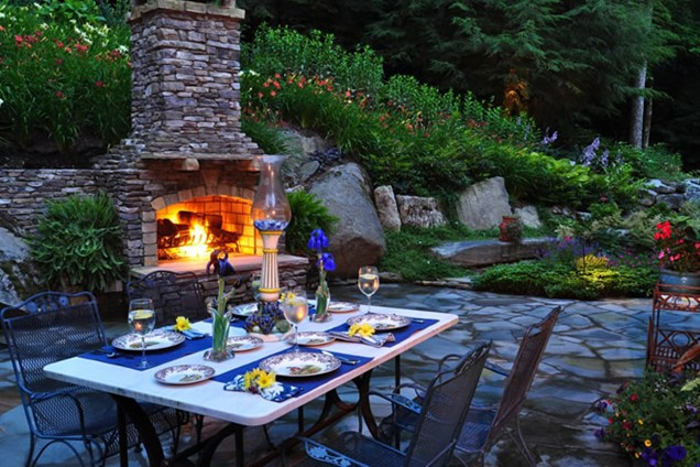 Backyard Fireplace Outdoor Dining Lighting Greenleaf Services Inc_4660